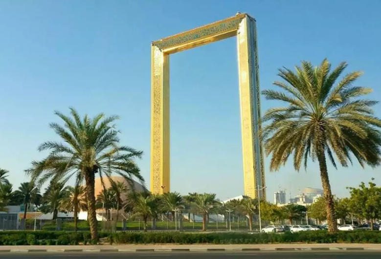 dubia-in-a-nutshell-by-car-private-tour
